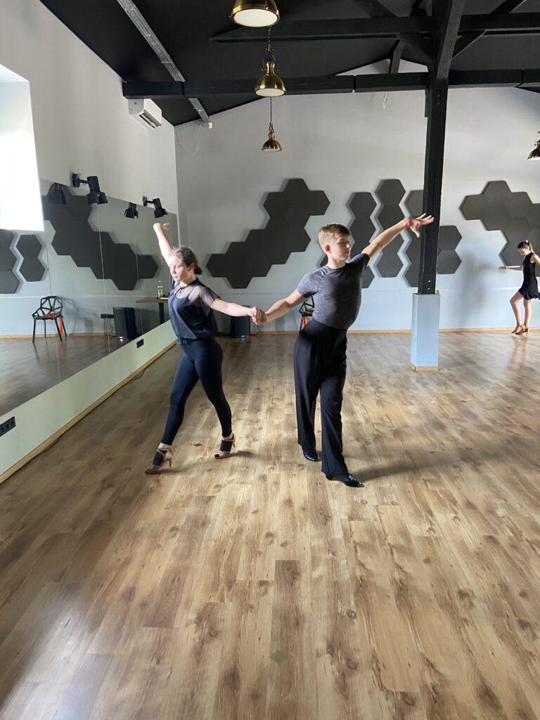 Obóz sportowy All About taniec towarzyski szczecin kacper Smuniewski Matylda Nowaczewska