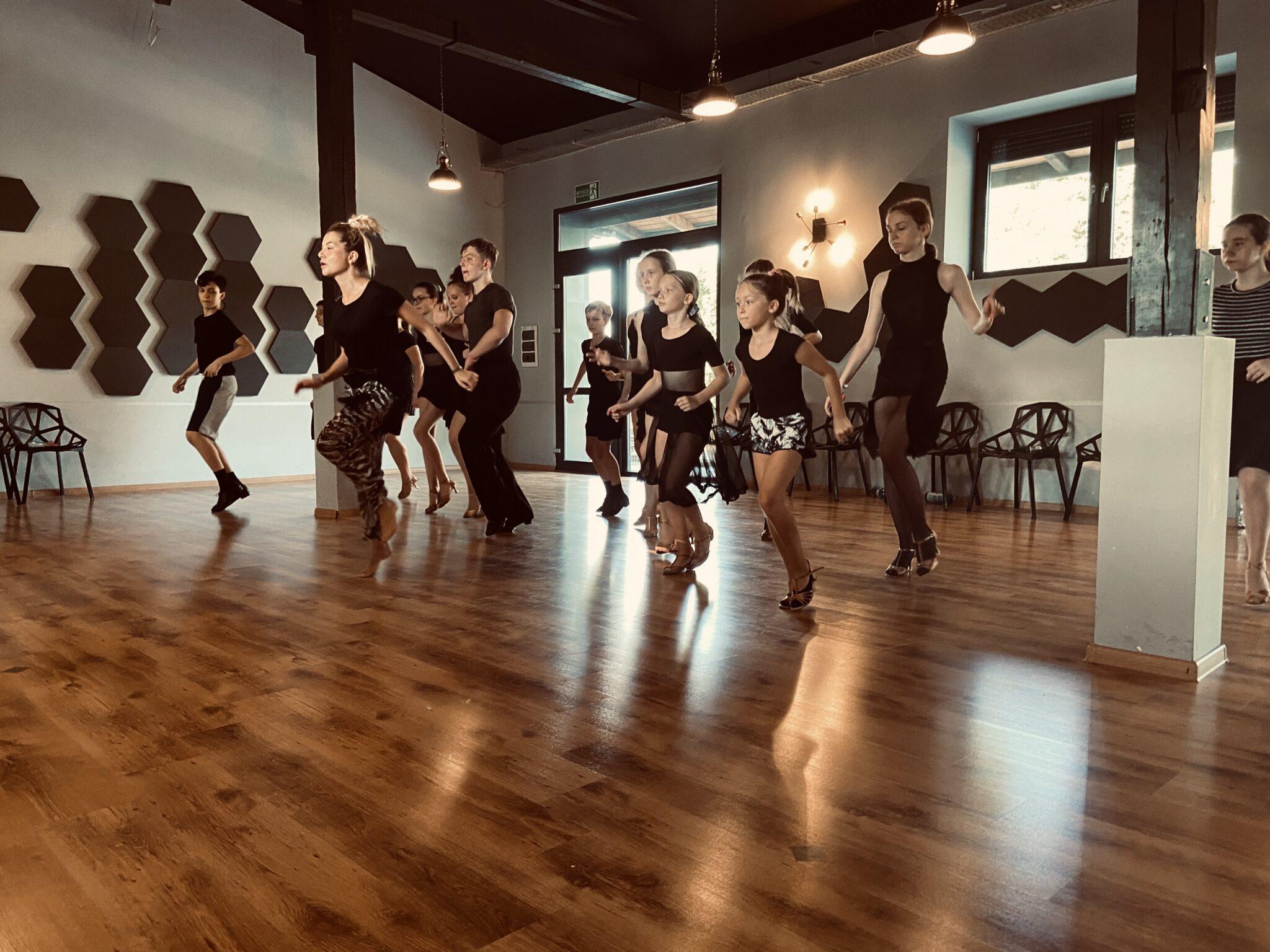 Obóz sportowy All About taniec towarzyski szczecin